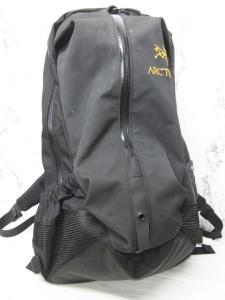 アークテリクス ARC'TERYX アロー22 Arro 22 リュックサック バックパック デイパック 黒 ブラック