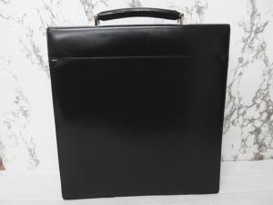 ブルガリ BVLGARI ブリーフケース 書類カバン ビジネスバッグ ターンロック レザー ロゴ 黒 ブラックの買取実績