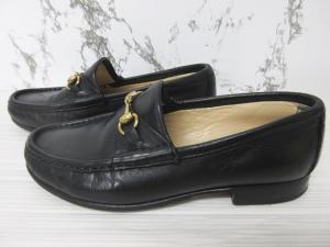 グッチ GUCCI ホースビット ローファー 革靴 レザーシューズ 黒 ブラック 34 1/2 21.5cm 1011 レディースの買取実績