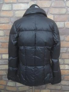 未使用品 ワイスリー Y-3 ダウン ジャケット ブルゾン コート M ロゴ ヨウジヤマモト 黒 ブラック レディースの買取実績