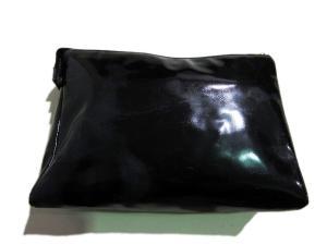 シャネル CHANEL コスメ ポーチ 化粧ポーチ 小物入れ エナメル ココマーク 伊製 イタリア製 黒 ブラック レディースの買取実績
