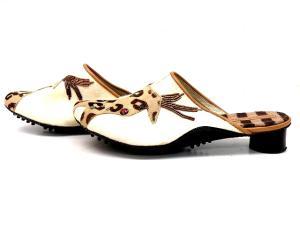 ツモリチサト ウォーク tsumori chisato walk キリンモチーフ ハラコ サンダル 茶 オフホワイト サボ 靴の買取実績
