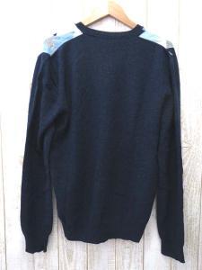 【ALEXANDER MCQUEEN/アレキサンダーマックイーン】 Vネック 総柄 セーター ニット 紺系 M V3487の買取実績