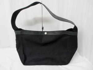 【BACKLASH/バックラッシュ】 レザー使用ナナメ掛けショルダーバッグ/黒/ブラック/ボデイバッグ/ワンショルダー/メッセンジャー/鞄/かばん/シンプル/ワッペン/刺繍/ラフ/カジュアルの買取実績