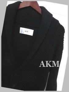 エーケーエム AKM カーディガン ニット ローゲージ ショールカラー 長袖 M 黒 ブラック ロゴ タグ付 メンズの買取実績