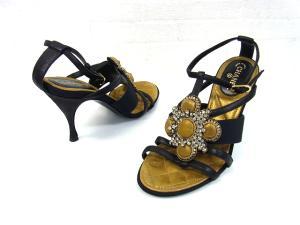 【CHANEL/シャネル】 ビジュー ラインストーン ヒール サンダル ピンヒール ストラップ ブラック 黒 35 C 22cm 靴 シューズ 服飾の買取実績