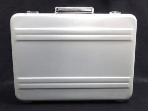 ゼロハリバートン ZERO HALLIBURTON アタッシュケース ビジネスバッグ アルミ シルバーカラー K192 メンズの買取実績