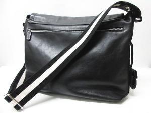 バリー BALLY TROVE-N メッセンジャーバッグ ショルダーバッグ レザー 革 ロゴ 刻印 黒 ブラック メンズの買取実績