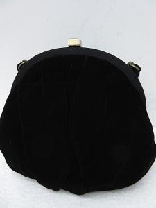 フォクシー FOXEY ポーチ ハンドバッグ ベロア がま口 黒 IBS 0616の買取実績