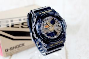 美品 ジーショック G-SHOCK アナデジ 20気圧防水 腕時計 GA300A 金 黒 /J