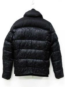 未使用品 エーケーエム AKM ダウンジャケット コート スタンドカラー キルティング フェイクレイヤード ダブルジップ 迷彩 タグ付き 黒 M 冬 レディースの買取実績